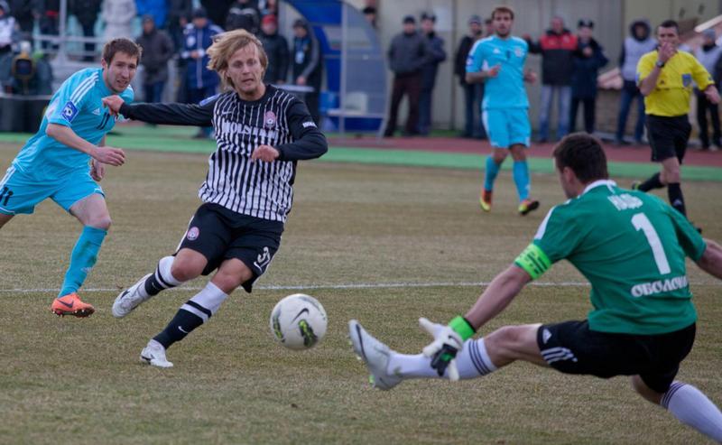 Статья: 'Заря' - 'Говерла'. ФОТОгалерея от lugansk-football.com